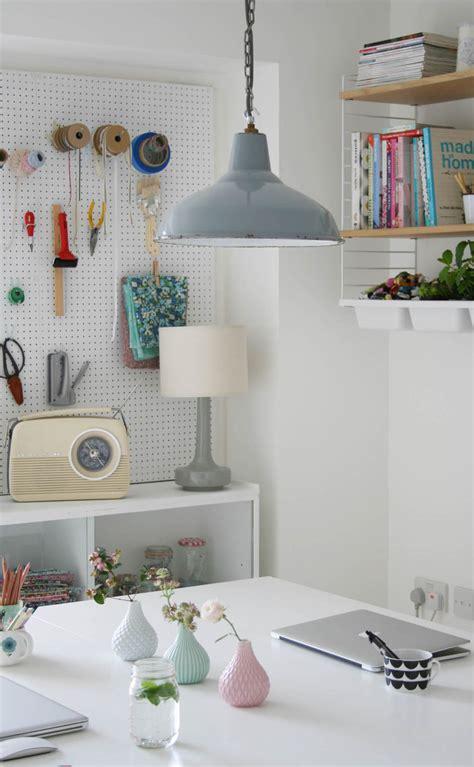 decorar una oficina con poco dinero ideas para decorar una oficina en casa