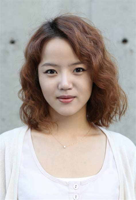 waivy korean hair style cute short curly hairstyles 2018 cute hairstyles short