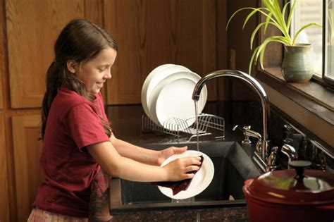homelife 11 things people with spotless houses do every day the party s over how to get your kids to help with clean up