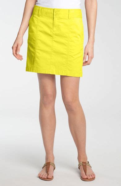caslon 174 seamed denim skirt in yellow washed yellow acacia