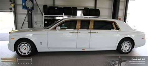 roll royce johor car info gold plated armored rolls royce phantom valued