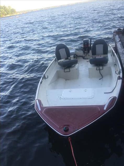 fishing boat ottawa 2001 14ft titeram fisherman fiberglass fishing boat