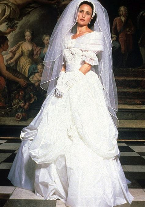 iconic  wedding dresses   give    gowngoals hellogiggles
