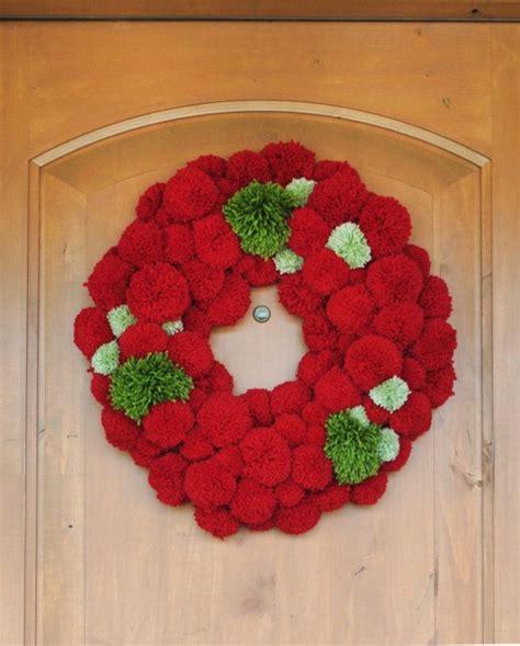 pompom wreath kransen christmas decorations handmade christmas pom pom wreath
