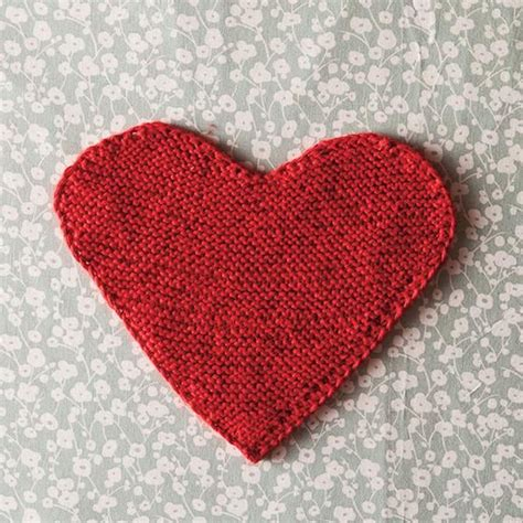 free knitting pattern heart shape 1000 images about knitting patterns on pinterest