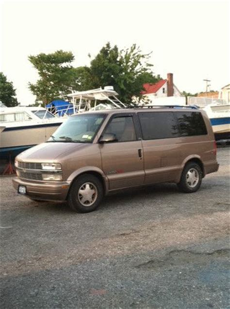 sell used 1999 chevrolet astro all wheel drive 82k