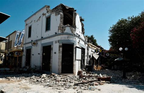earthquake kos m 6 6 earthquake near greek and turkish tourist hotspots
