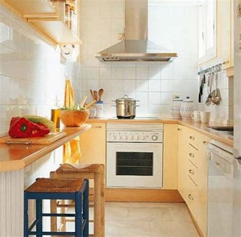galley kitchen design ideas of a small kitchen peenmedia