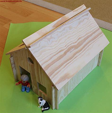 scheune bauen aus holz schleich und playmobil holz haus bauen