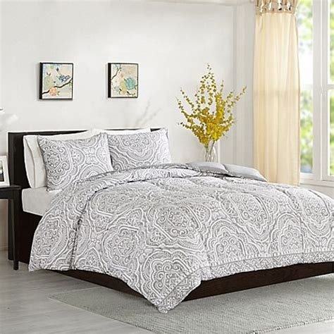 White And Silver Comforter by 25 Best Ideas About Grey And White Bedding On