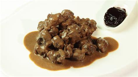 cucina tipica tirolese capriolo alla tirolese ricetta tipica trentino alto adige