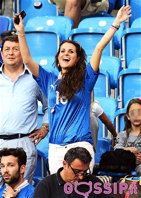 Europei 2012 le wags italiane sugli spalti allo stadio foto da gossip it chiccose doc
