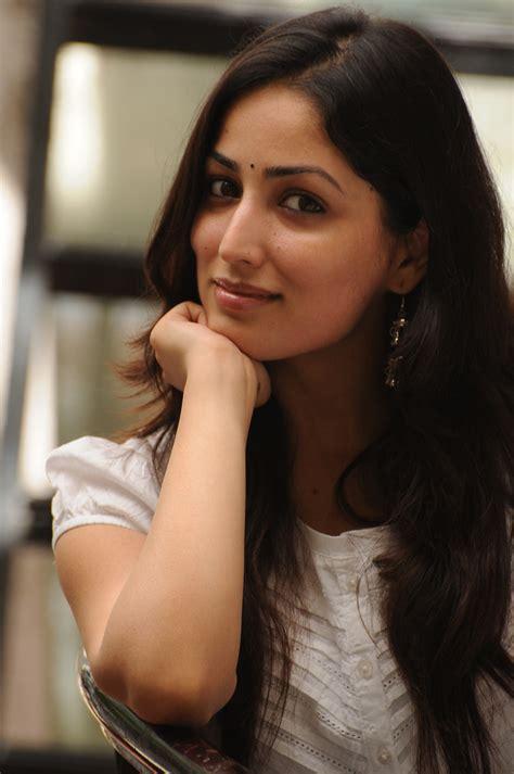 bollywood heroine yami bollywood actress yami gautam looks fair