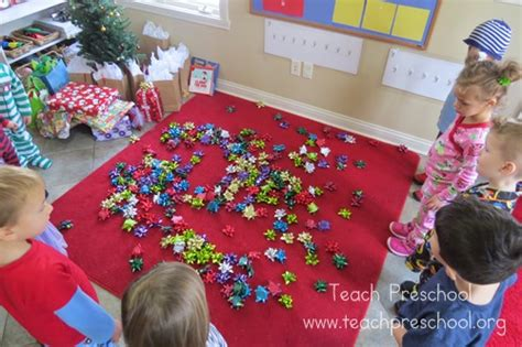 preschool christmas party ideas simple gift bow for preschoolers teach preschool