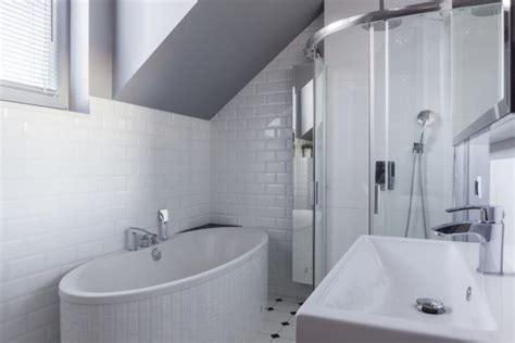 fliesen für das bad badezimmer kleine badezimmer mit dusche und badewanne