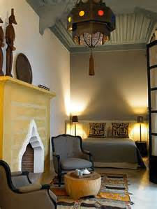 40 moroccan themed bedroom decorating ideas decoholic 66 mysterious moroccan bedroom designs digsdigs