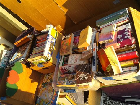 Sle Of Giveaways - yard sale items lots and lots of items for low low prices