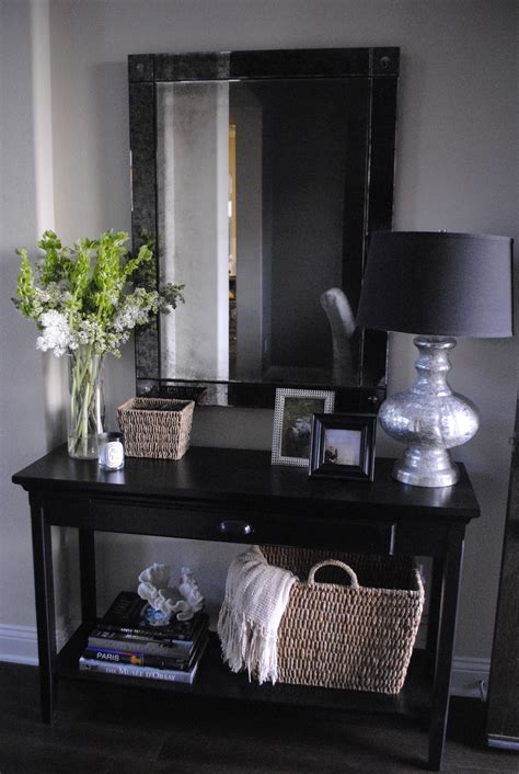 Entry Way Table Ideas | the honeybee entryway table decor
