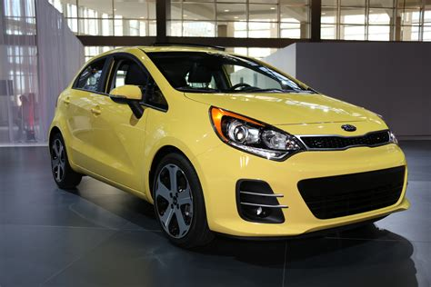 Kia Hatchback Cars 2016 Kia Iii Hatchback Pictures Information And