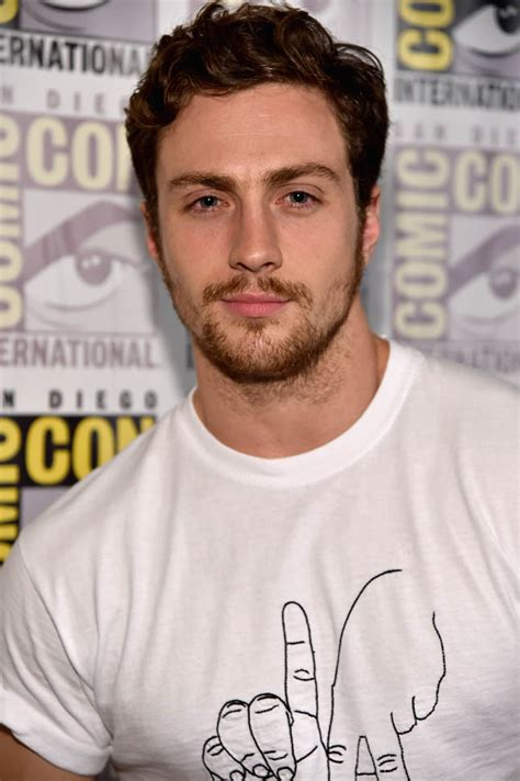 aaron taylor johnson comic con aaron taylor johnson with the avengers at comic con 2014