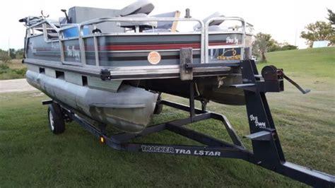 used bass tracker boat seats for sale 1990 suntracker bass buggy 18ft pontoon boat sun tracker