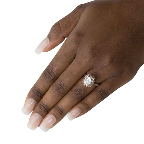 Engagement Ring Images On Finger For Black Finger by Ring On Black Finger Www Pixshark Images