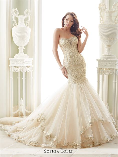 Best Bridal Dresses by Strapless Wedding Dress With Sweetheart Neckline