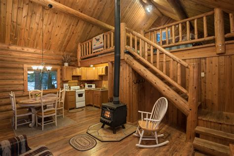 Settler Log Cabin ? Western Pleasure Guest Ranch