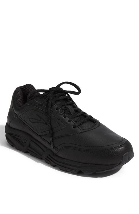 addiction walking shoe in black for lyst