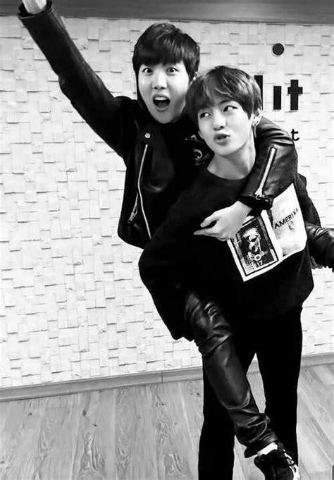 kim taehyung jung hoseok kim taehyung jung hoseok bangtan boys bts pinterest