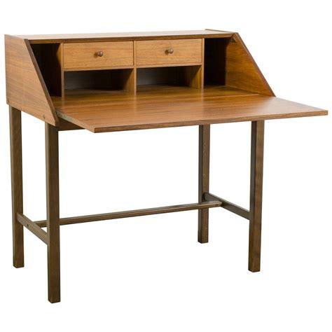 Modern Secretary Desk With Hutch Modern Secretary Desk Secretarial Desk