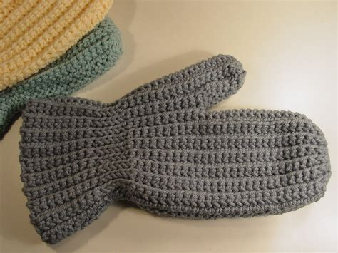 pinterest mittens pattern simple crochet mitten pattern like this item 1