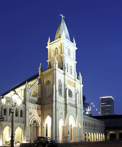The History Of Singapore's CHIJMES In 1 Minute