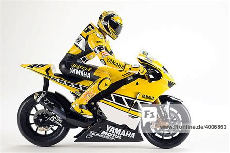 Motorrad Rennmaschinen Modelle by Modell Einer Yamaha Rennmaschine Mit Fahrer Valentino