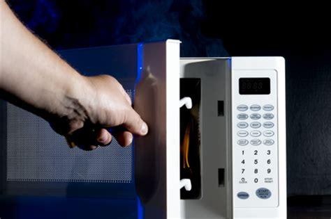 Wohin Mit Der Mikrowelle In Der Küche by So Entsorgen Sie Ihre Alte Mikrowelle Mikrowelle