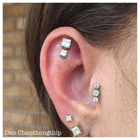 Vanità Piercing - healed flat and tragus piercings with anatometal princess