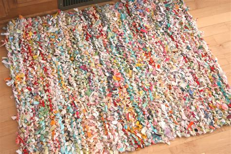 Make Rag Rug by Quilts Quilts One Way To Knit A Rag Rug