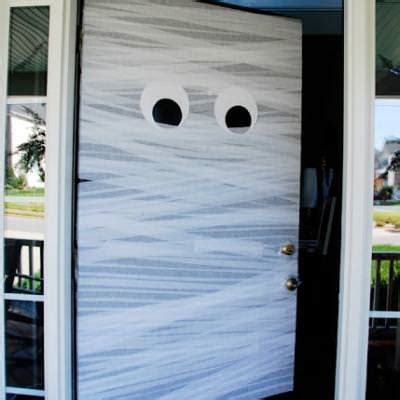 Mummy Door by A Mummy Door Welcome Decorations Tip Junkie