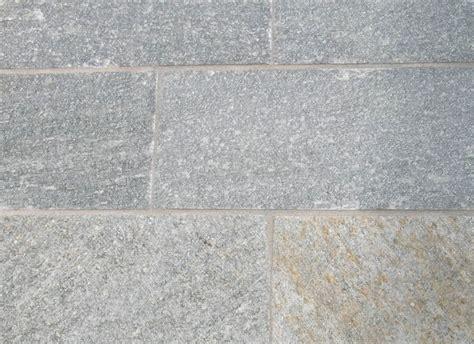 pavimenti in pietra di luserna pavimenti in pietra di luserna cava bettoni