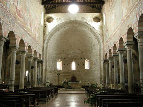 foto interno file basilica di san piero a grado interno 02 jpg