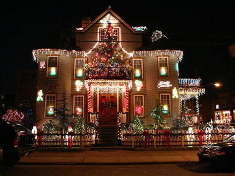 decorated christmas houses top 10 biggest outdoor christmas lights house decorations digsdigs