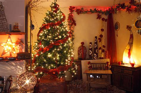 homes with christmas decorations luxury bedroom ideas the best christmas decorations ideas
