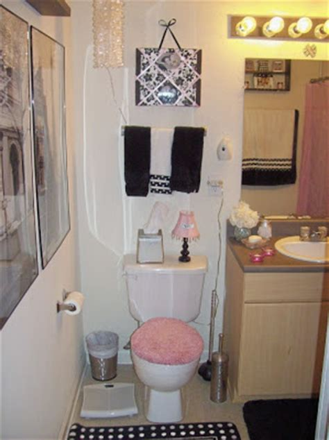college bathroom ideas pinkhoneybeee college dorm apartment bedding bath ideas