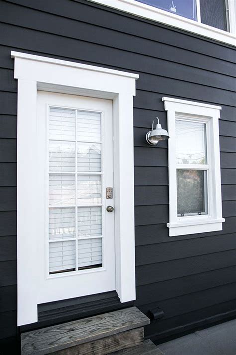 painting exterior door trim best 25 exterior door trim ideas on entry