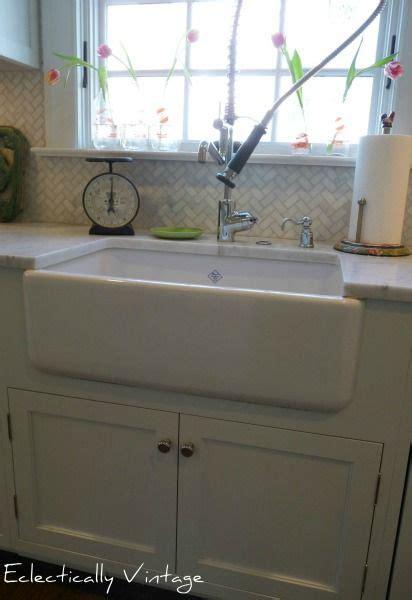 kitchen sinks with backsplash the kitchen deets cabinets custom backsplash ebay cabinet color nebulus white sherwin