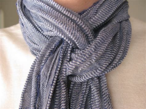 ways to tie a scarf ways to tie scarves around neck images