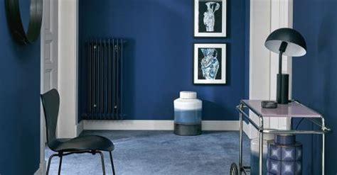 Blaues Sofa Welche Wandfarbe by Wandfarben Das M 252 Ssen Sie Wissen Sch 214 Ner Wohnen