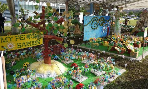 Garden With Recycled Materials Largest Garden Made Of Recycled Materials Singapore Book