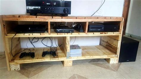 Anderson Cabinets Diy Solid Pallet Media Console Or Tv Stand 101 Pallets