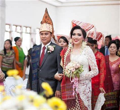 baju pengantin wanita adat batak model kebaya pengantin batak modern terbaru dan berbagai